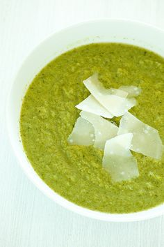29. Broccoli and Parmesan Soup #quick #healthy #recipes http://greatist.com/eat/10-minute-recipes