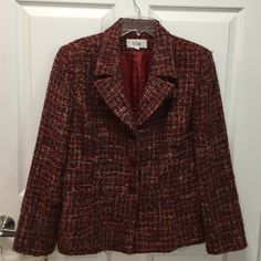 Le Suit jacket Great warm fall jacket Le Suit Jackets & Coats Blazers Fall Jackets, Suit Jackets, Blazers, Buy And Sell, Coats, Warm, Best Deals, Womens Fashion, Closet