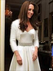 I loved Kate's dress and hair so much more than the dress and hair she had earlier. She looks so relaxed and happy.