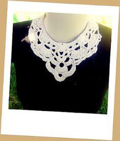 Another crochet necklace by Debora Alves  http://deboracroche.blogspot.com.br/2012/05/colar-ibiza-agora-com-fio-brisa.html