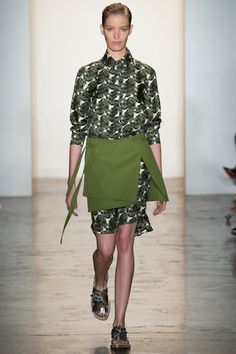 Peter Som Spring 2015. See the entire collection on Vogue.com.