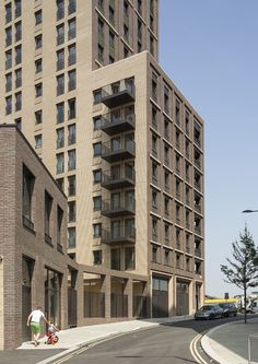 Saxon Court, King's Cross by Maccreanor Lavington Architects