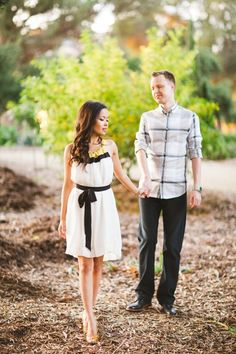 great outfit inspiration http://www.weddingchicks.com/2014/02/06/balboa-park-engagement-session/