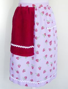 Strawberry apron with red towel and white trim.  $25 plus postage.  Please message with orders.  wendyjh@live.com.au