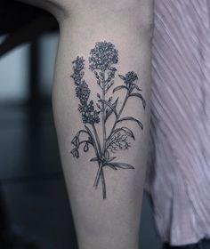 @oozy_tattoo