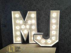 Letras con luces - Iluminación de bodas y eventos - Letras con bombillas - Iniciales novios
