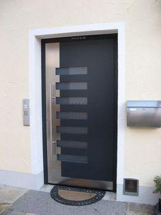 Puerta de entrada batiente / de aluminio / para instalación ...