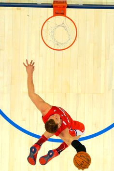 Blake Griffin Dunk!!! picture perfect every time...