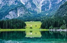 Have you ever been to #FriuliVeneziaGiulia? Here is one of the places to visit in our wonderful region: #Fusine lakes valley. Wonder of the Julian #Alps between Tarvisio and Slovenia, this place is truly a little paradise, ideal for a relaxing excursion full of fascinating natural landscapes. 🏞  #Fantinel #italy #beautifulitaly #landscapephotography #lake #mountain #nature #travel #discover Places To Travel, Places To Visit, Beautiful Park, Visit Italy, Like A Local, Italy Vacation, Trekking, Landscape Photography, Camper