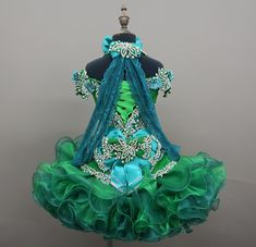 We offer National Pageant dresses in unbelievable price, creative made with high quality. Please add me to your list of favorite sellers and come again. Glitz Pageant Dresses, Pageants, Japanese Outfits, Paper Dolls, Showroom, Custom Design, Flower Girl Dresses, Prom, Queen