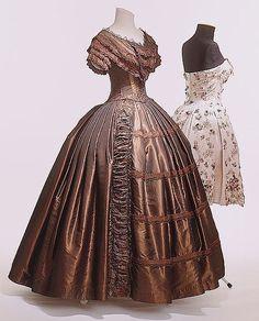 The HoopSkirt Society — 1845-1850 - Ball gown - Dark brown silk taffeta,...