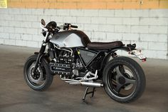 Wow! BMW K100 K1 Bobber