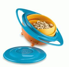 Non Spill Feeding Toddler Gyro Bowl 360 Rotating Kids Baby Avoid Food Spilling. Universal Gyro Bowl with Lid. 1 x Gyro Bowl. but its a fun way to get are kids to eat those stubborn veggies. Toddler Toys, Baby Toys, Snack Bowls, Incredible Gifts, Plastic Bowls, Childproofing, Looks Cool, Baby Feeding, Educational Toys