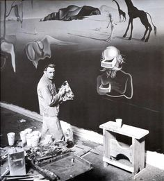 Salvador Dalí em ação. Demais!