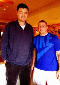 Watt, of the Houston Texans , takes a picture with Yao Ming, and Watt looks like a middle schooler next to him. Watt is and 295 pounds versus Ming who is and Houston Rockets, Houston Texans, Dallas Cowboys, Pittsburgh Steelers, Texans Football, Football Players, Texans Players, Football Stuff, Nba