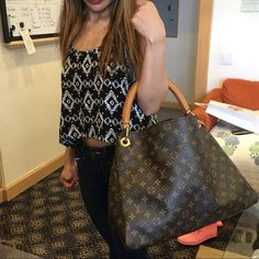 I just discovered this while shopping on Poshmark: Louis Vuitton Artsy gm. Check it out! Size: GM, listed by Louis Vuitton Artsy, Louis Vuitton Speedy Bag, Louis Vuitton Monogram, Fancy, Couture, Check, Bags, Shopping, Things To Sell