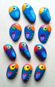 My favorite Parrots - hand painted Stone Pendants by Pandala Islands / Mesekavics