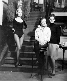 Jennifer North is Sharon Tate, Neely O'Hara is Patty Duke, Anne Wells is Barbara Parkins Sharon Tate, I Movie, Movie Stars, Patty Duke, Charles Manson, Valley Of The Dolls, Vintage Hollywood, Hollywood Style, Classic Hollywood