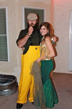 Couples costume for Halloween. Mermaid and fisherman. So cute !