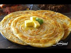 A paratha is a flatbread that originated in the Indian Subcontinent. Everyones favourite here .people call it with different names in different regions . Slow Cooker Tikka Masala, Pro Cook, Paratha Recipes, Naan, Indian Dishes, Eat Smarter, How To Make Bread, C'est Bon, Crepes