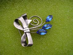 SIGNED TRUART STERLING SILVER BLUE STONE BROOCH PIN PENDANT VINTAGE FLOWERS BOW  #TRUART