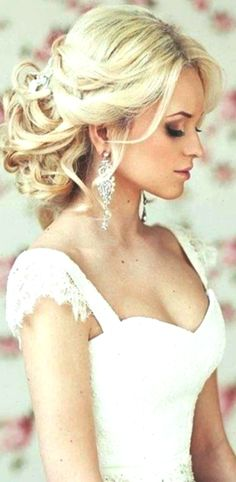 Bride& loose chignon messy bun bridal hair Toni Kami Wedding Hairstyles Wedding hairstyle ideas Lovely wedding photography idea of the bride. Wedding Hair Down, Wedding Hair And Makeup, Wedding Updo, Boho Wedding, Hair Makeup, Dress Wedding, Glamorous Wedding, Elegant Wedding, Wedding Crowns