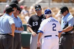 I miss Tommy Lasorda managing the Dodgers! Here he is exchanging lineups with White Sox manager Robin Ventura during Spring Training (photo: Getty/Christian Petersen).
