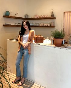 Korean Fashion – How to Dress up Korean Style – Designer Fashion Tips Korean Fashion Trends, Korea Fashion, Asian Fashion, Women's Fashion, Cool Style, My Style, Casual Jeans, Womens Fashion For Work, Korean Actors