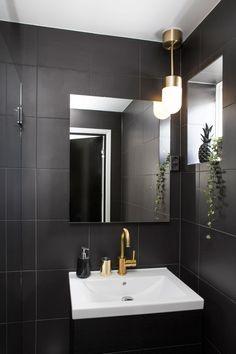 Seks stoler ble til ny førsteetasje - Byggmakker+ - Lilly is Love Decor, Bathroom Lighting, Interior, Lighted Bathroom Mirror, Home Decor, Bathroom Mirror, Bathroom, Bathroom Inspo, Mirror