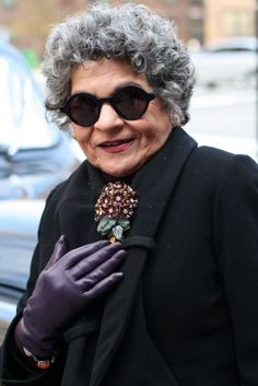 Senior Style. sunglasses, gloves, special accessory: pin