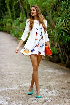 Marianela Yanes - Sheinside dress with Zara blazer, bird dress, white blazer, turquoise heels
