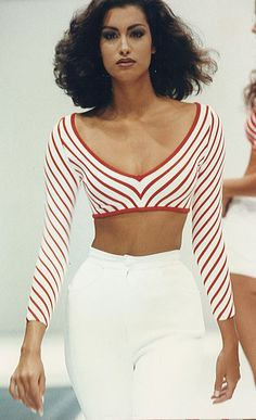 Trendy Fashion Runway Show Catwalks Inspiration 20 Ideas Fashion Runway Show, 90s Fashion, Retro Fashion, Trendy Fashion, Fashion Models, High Fashion, Fashion Beauty, Vintage Fashion, Fashion Trends