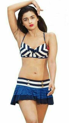 Alia Bhatt@In bikini top