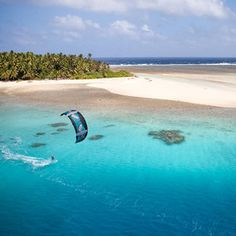 A kiteboarder explores a remote island in Micronesia I photo Jody MacDonald Windsurfing, Wakeboarding, Surfing Uk, Surfing Tips, Hawaii Surf, Sup Surf, Water Photography, Big Waves, Big Challenge