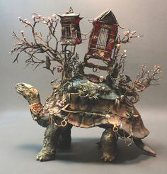 Amazing Animal Sculptures by Ellen Jewett http://designwrld.com/surreal-animal-sculptures-by-ellen-jewett/