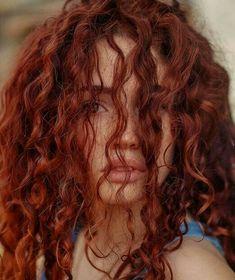 Brunette Hair Pale Skin, Red Hair Inspo, Auburn Hair, Aesthetic Hair, Dye My Hair, Grunge Hair, Hair Inspiration, Curly Hair Styles, Hair Makeup