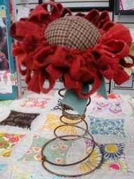 pin cushion on a rusted bedspring Handmade Flowers, Diy Flowers, Vintage Flowers, Fabric Flowers, Cloth Flowers, Bed Spring Crafts, Spring Projects, Spring Art, Rusty Bed Springs
