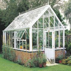 I want this greenhouse :)