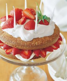 Strawberry Country Cake via Ina Garten {The Barefoot Contessa} No Bake Desserts, Just Desserts, Delicious Desserts, Yummy Food, Oven Fried Chicken, Fried Chicken Recipes, Shrimp Recipes, Barefoot Contessa, Strawberry Cakes