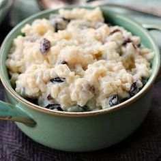 Old Fashioned Rice Pudding – – hausgemacht Rice Pudding Recipes, Keto Pudding, Rice Pudding Recipe With Raisins, Long Grain Rice Pudding Recipe, Rice Recipes, Rice Puddings, Recipies, Easy Desserts, Dessert Recipes
