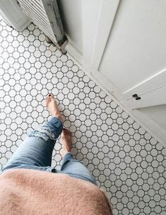 40 Ideas For Bathroom Grey Black White Penny Tile 40 Ideas For Bathroom Grey Black White P White Bathroom Tiles, Diy Bathroom, Bathroom Floor Tiles, Grey Bathrooms, Bathroom Interior, Small Bathroom, Bathroom Ideas, Master Bathroom, Budget Bathroom