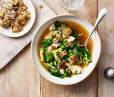 Spring Greens & Chicken Soup with Herby Parmesan Croutons Soup Recipes, Diet Recipes, Diet Meals, Under 300 Calories, Spring Green, Chicken Soup, Saturated Fat, Fruits And Vegetables, Parmesan