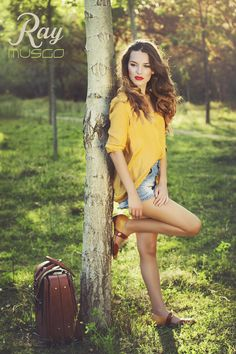 d26f622178631 lookbook verano 2015 - RAY MUSGO Zapatos ecologicos de mujer  arbol  tree   waiting  suitcase  maleta  zapatos  shoes  comodo  comfort  eco  blucher   fashion