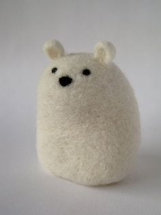The Fearless Polar Bear – felt Needle Felted Animals, Felt Animals, Baby Animals, Wet Felting, Needle Felting, Wooly Bully, Creation Couture, Wool Felt, Felted Wool