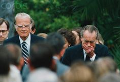 Reverend Billy Graham and a grieving Richard Nixon arrive at memorial services for former First Lady Pat Nixon, at the Nixon Presidential Library in Yorba Linda, California. Republican Presidents, Us Presidents, Rev Billy Graham, First Ladies, Nancy Reagan, Yorba Linda, Favorite Son, Presidential Libraries, Great Novels