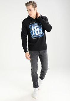 https://www.zalando.nl/jack-and-jones-jcopaul-sweater-ja222s0yf-q11.html