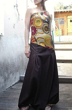 robe bustier sarouel. Classe! Sarouel Pants, Harem Pants, Jewish Girl, Baggy, Hippie Boho, Bohemian, Creation Couture, Playsuits, Girl Crushes