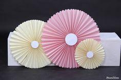 Vintage wedding decoration- paper pinwheels -Vintage svadobné dekorácie-papierové pinwheels