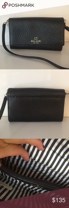 """Kate Spade Southport Avenue Natalie Crossbody Bag Kate Spade Southport Avenue Natalie leather clutch crossbody bag in black! This bag measures 5"""" in height and 8"""" in length. It also has a removable strap. Super cute bag in great condition! kate spade Bags Crossbody Bags"""