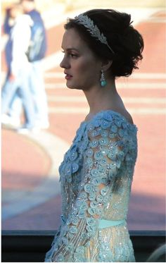 Love the diamond looking hair band Gossip Girl's Leighton Meester sports playing Blair Waldorf. She is also wearing a beautiful 'something blue' wedding gown by Elie Saab.